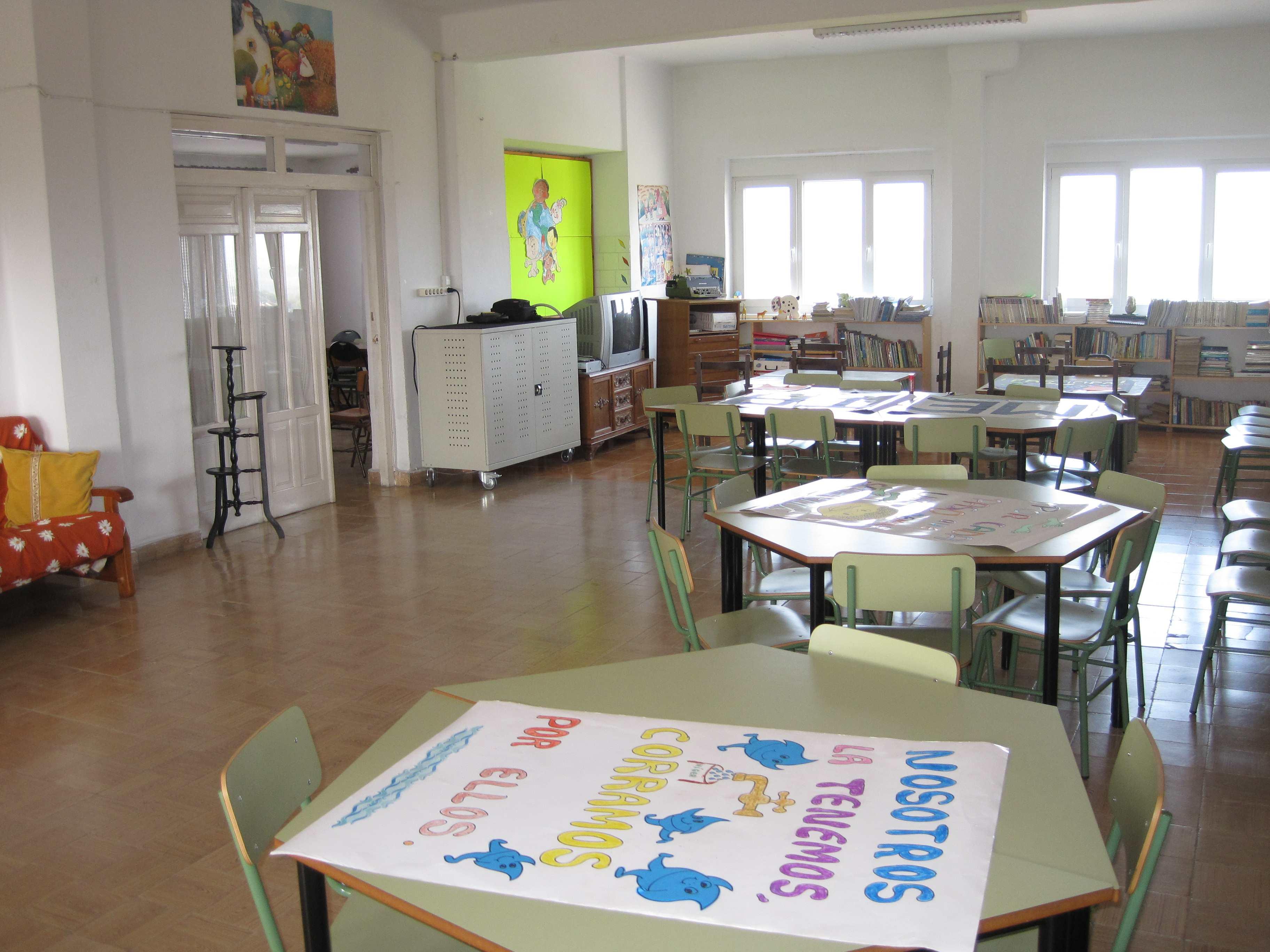 Colegios en Polanco Torrelavega Colegio la MIlagrosa BIBLIOTECA