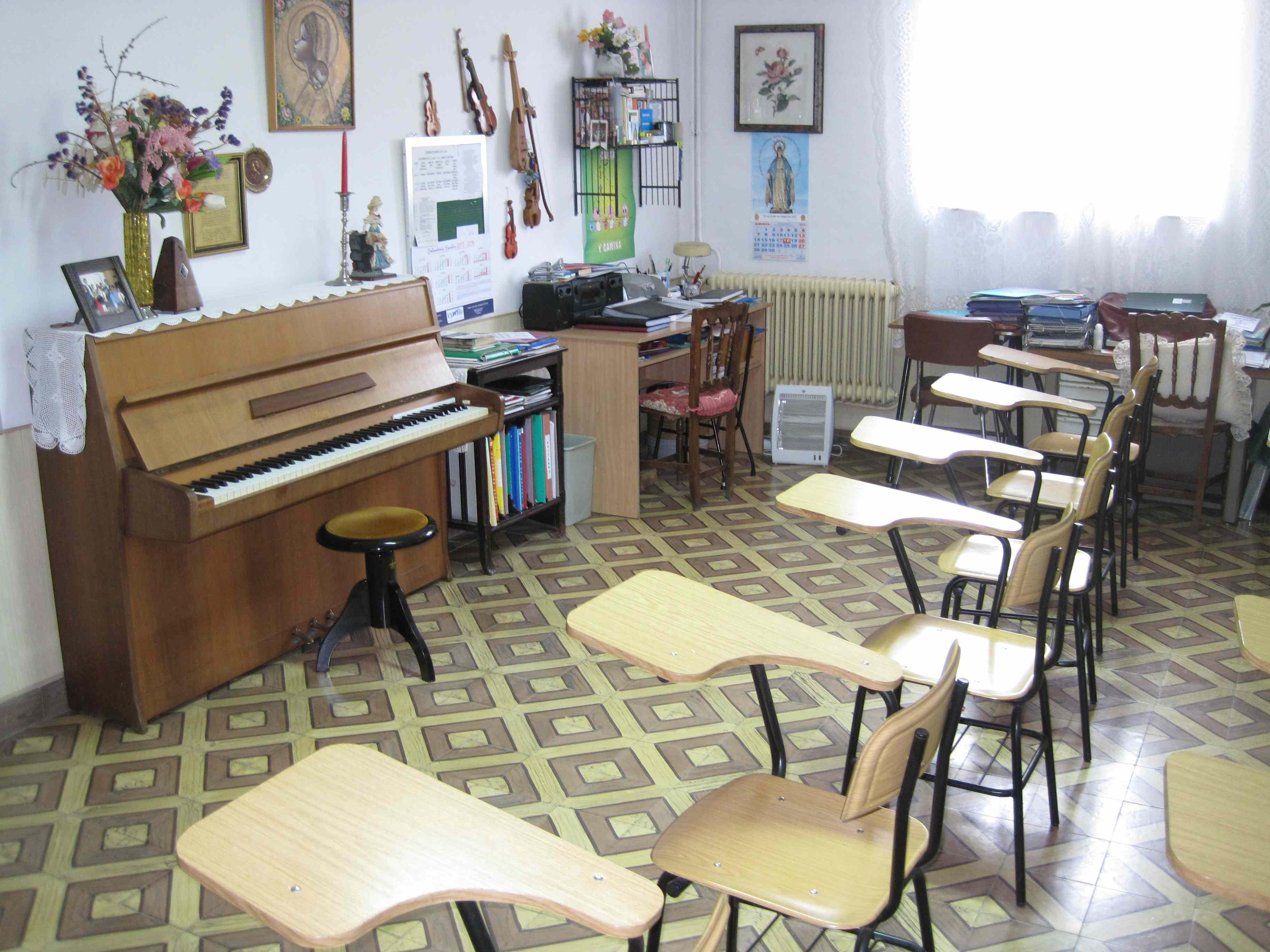 Colegios en Polanco Torrelavega Colegio la MIlagrosa con MÚSICA